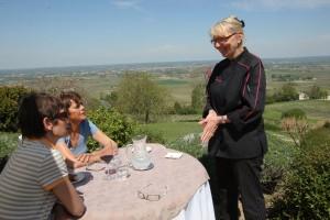 En haut du coteau de Monbazillac, une vue imprenable sur le vignoble et la vallée de la Dordogne